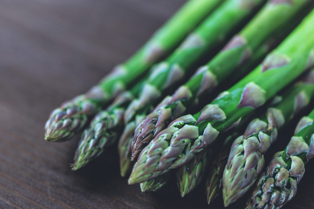 From fighting off stress to helping the gut fight off inflammation, green vegetables have great healing abilities. Here are some great veggies to eat today.